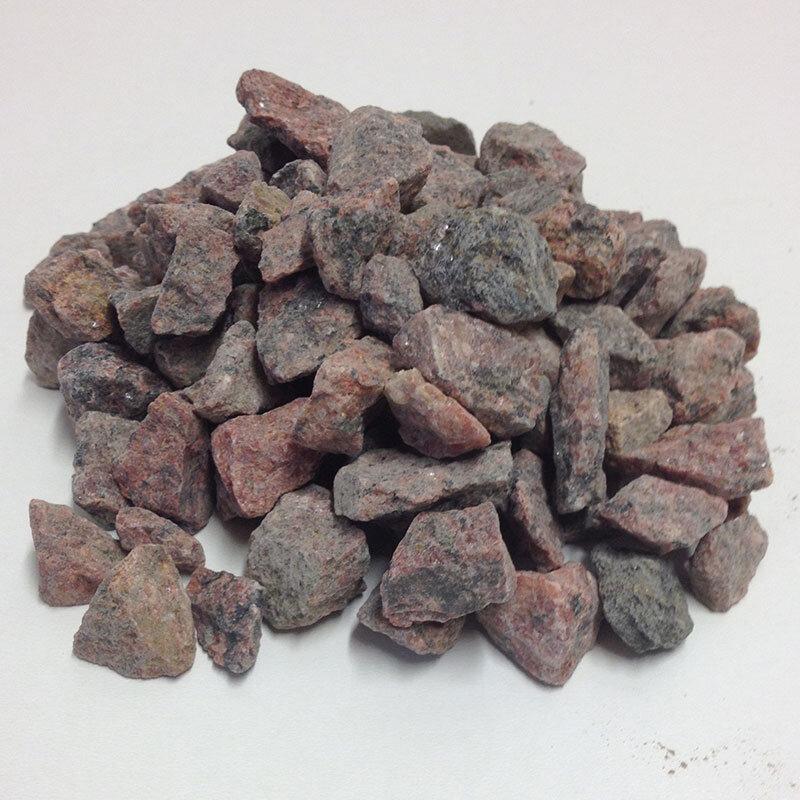 Billede af Røde/sorte Granitskærver 8/11 Mm. Bigbag Med 1000 Kg.