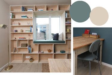 væg-til-væg reol og skrivebord i træ